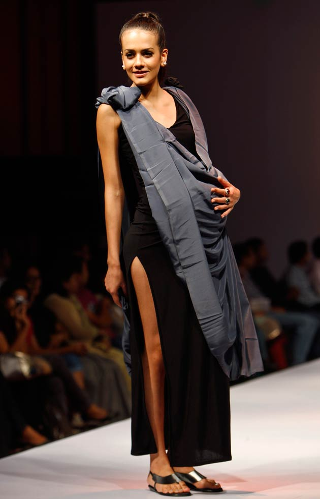 Smita sabharwal fashion show dress code