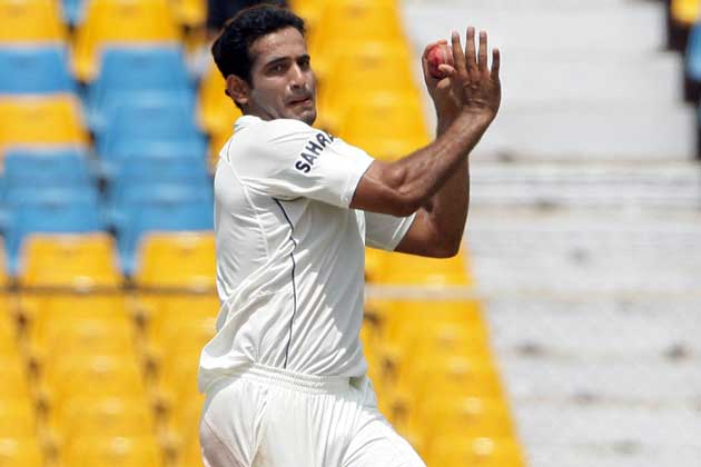 <b>Jaspreet Sahni:</b> Irfan, who has re-discovered his swing, is the best man to replace Praveen.