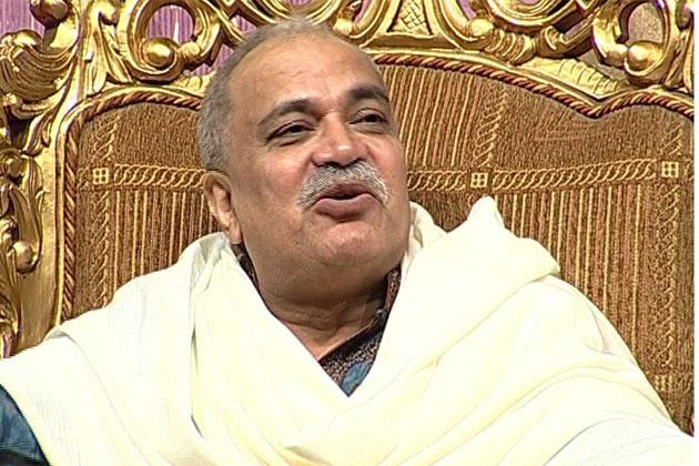 <b>Nirmal Baba</b> files counter case against man for demanding money - nirmalbaba-020412