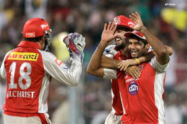 Adam Gilchrist is expected to remain out of the KXIP XI, which gives CSK an advantage before an important clash.