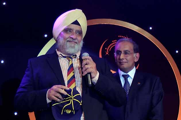 Ian Chappell compared Harmeet Singh to Bedi, terming him 'the best spin bowler in any Test side bar England'.