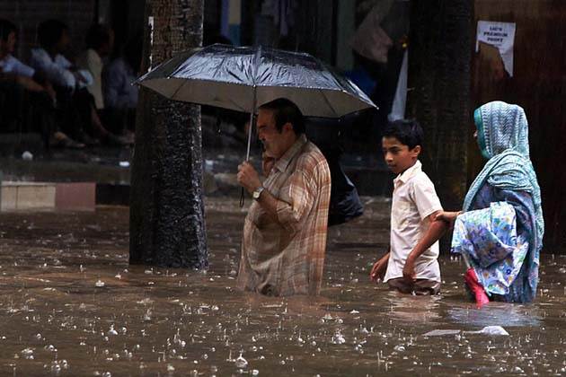 Death toll rises to 25 with heavy rain in North India