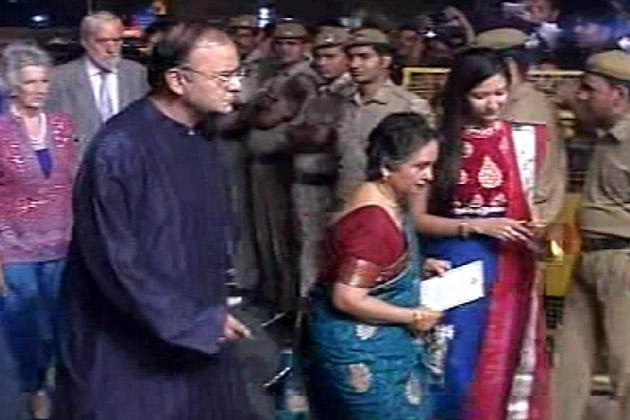 In Pics Celebrities At Saif Kareenas Wedding Reception Delhi