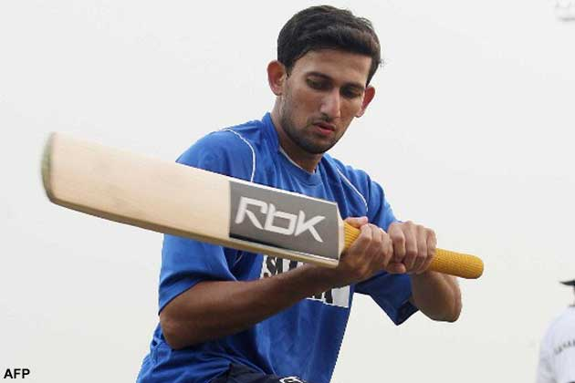 The pair put on an unbeaten 211 for the seventh  wicket to help Mumbai recover from 169 for 6 against Services at Palam.