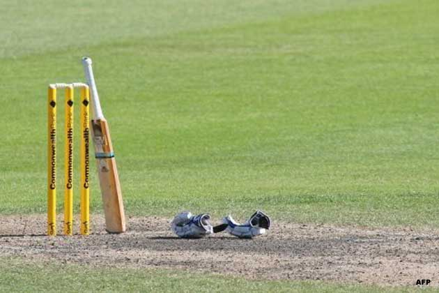 No play was possible on the second consecutive day of the Ranji Trophy semi-final clash between Mumbai and Services at Palam ground.