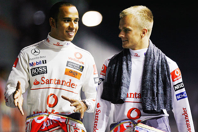 Photo of Heikki Kovalainen & his friend driver  Hamilton - F1