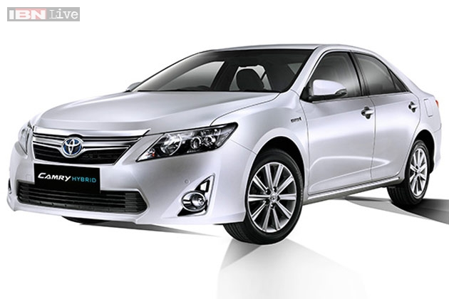 toyota camry hybrid launched in india at rs 29 75 lakh