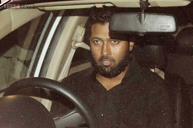 photo of Wasim Jaffer  - car