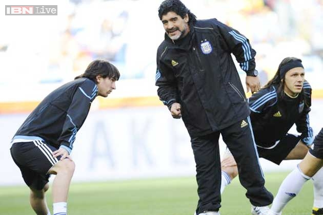 Messi dating maradona daughter