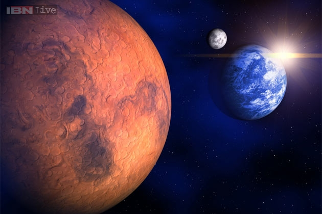 Two moons hoax: Mars won't be as big as the moon on August ...