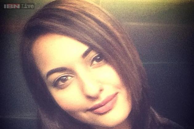 Recent Hair Cut : Sonakshi Sinha gets a new haircut - News18