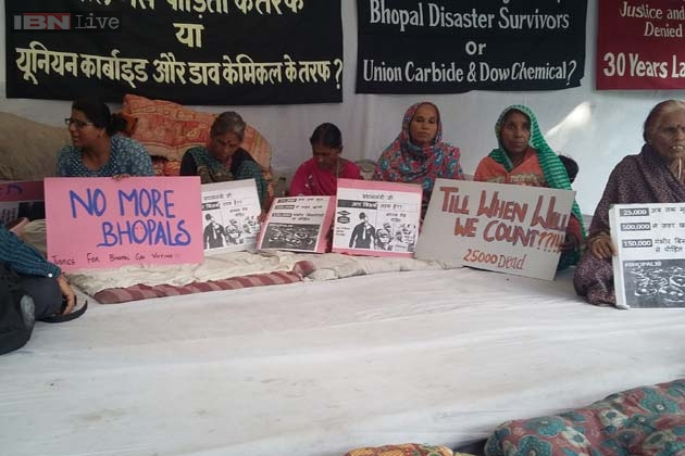 essay about surviving disasters Survival typically refers to enduring circumstances or situations that may challenge a person's well-being and life, or to persevering through trials and hardships natural disasters, violent conflicts, war and even economic hardships can create the need for survival skills essays on survival can.