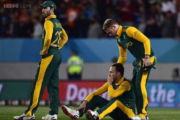 Rain, blemishes conspire to knock South Africa out, NZ reach maiden final