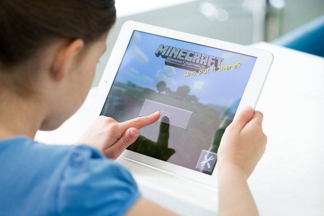 Microsoft brings Minecraft to Windows 10