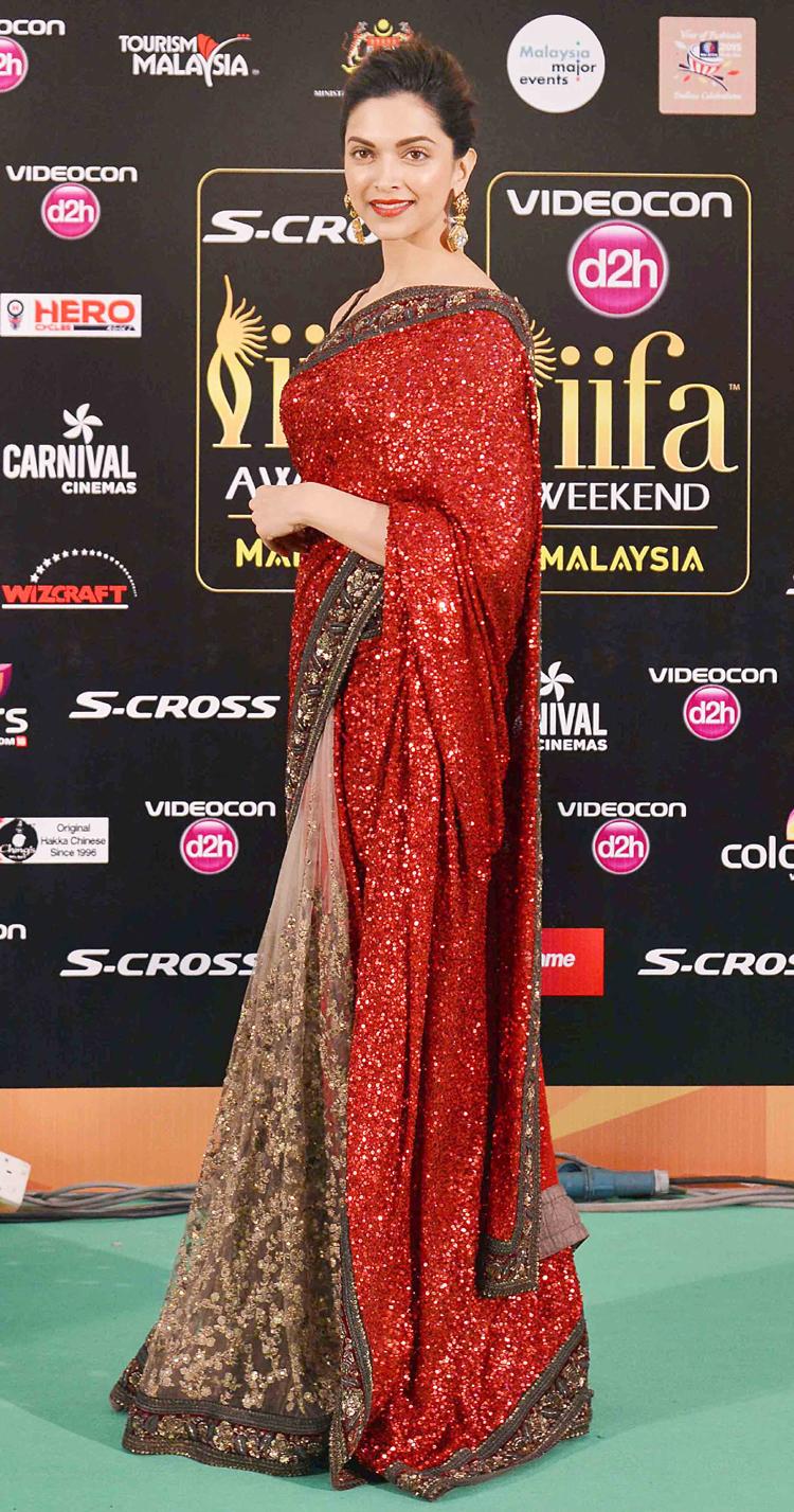 Look of the day: Deepika Padukone exudes elegance in ...