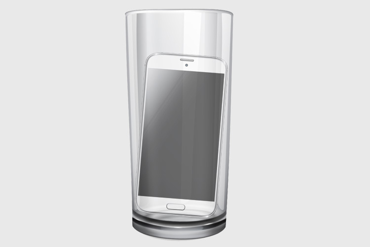 phone-inside-tumbler