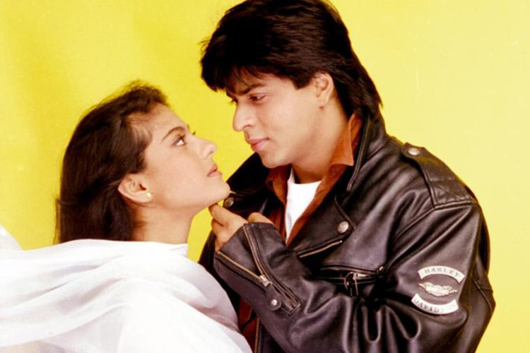 Shah Rukh Khan and Kajol look absolutely adorable as they recreate the iconic DDLJ scene