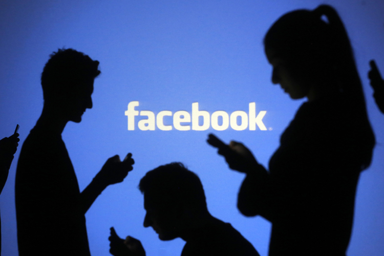 Facebook hits milestone; 1 billion people used site on a single day