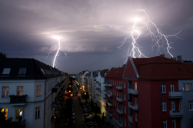 24 Awe Inspiring Photos Of Lightning From Around The World