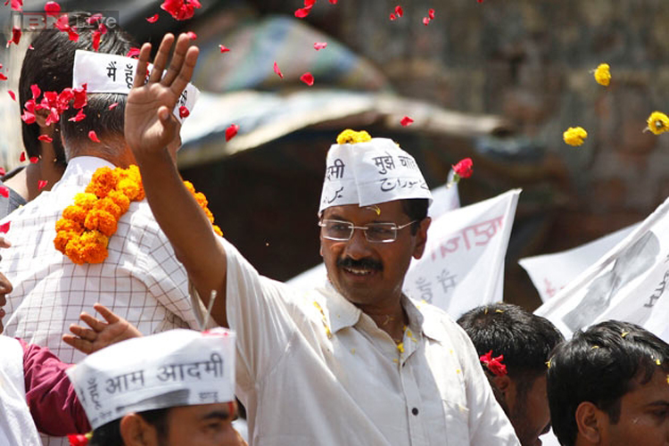 Kejriwal wants referendum on statehood for Delhi, seeks feasibility report