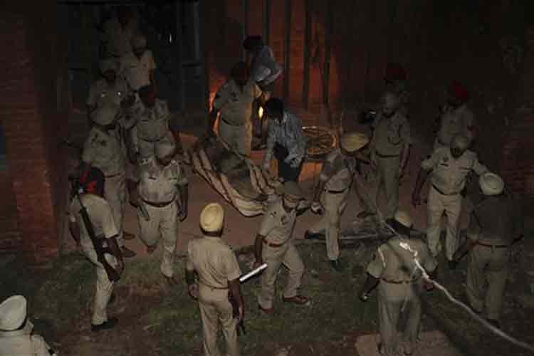 Gurdaspur terror attack: BSF DG to visit the site, Indo-Pak border on Wednesday