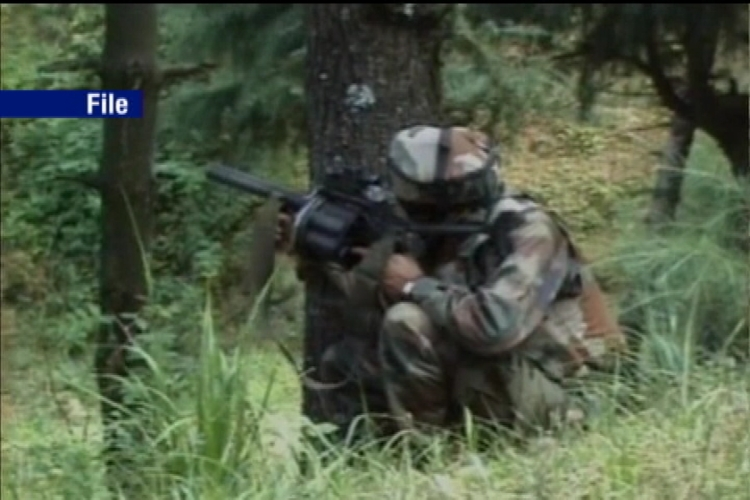 2 soldiers, 4 terrorists killed in Kupwara district