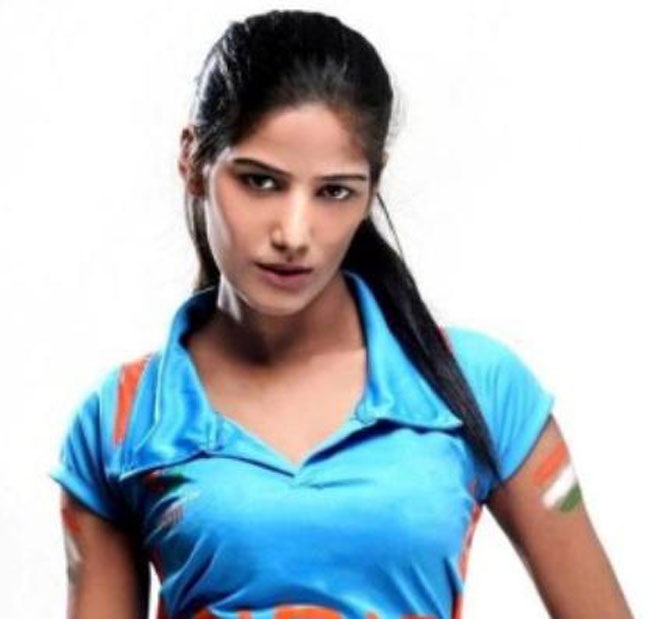 poonam pandey height