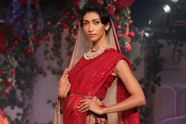 10 most beguiling looks from Varun Bahl's 'Aurum' collection that left us spellbound