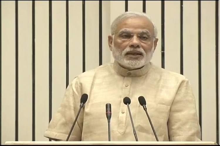 Government won't promulgate land ordinance but include 13 points to reform land law: Modi