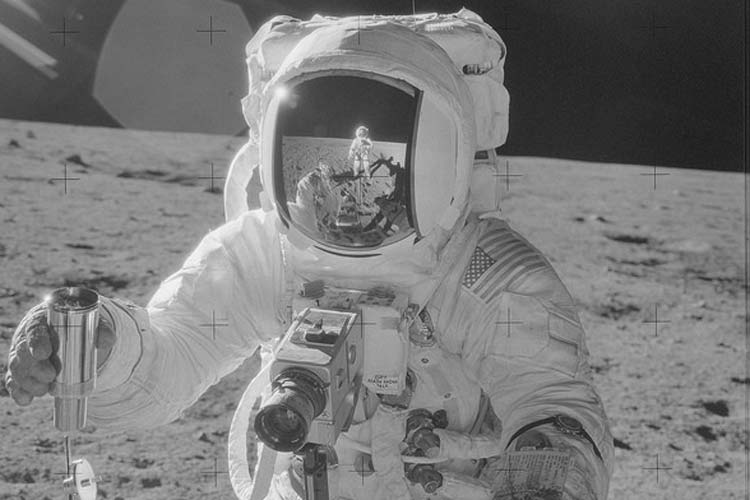 Every photo taken by Apollo astronauts now available in hi ...