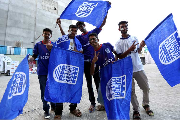 Mumbai City FC fans. (ISL)