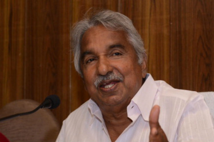 Solar Scam Kerala Cm Chandy Rejects Allegation He Took Rs