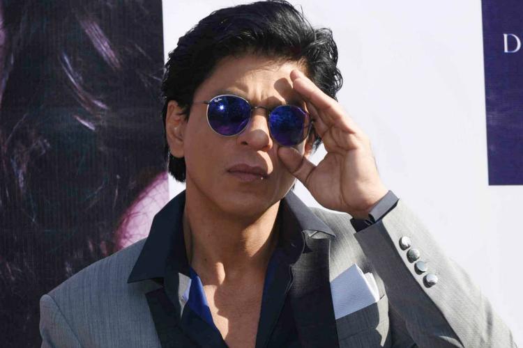 Shah Rukh demands 'return gift' from Salman Khan after his 50th birthday
