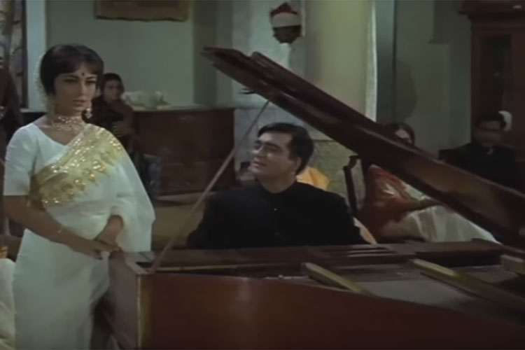 Film pathlaag the film s music is by madan mohan and lyrics by raja