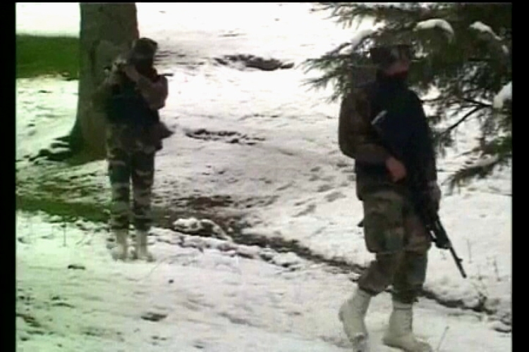 Indian soldiers, 4 rebels killed in Kashmir fighting