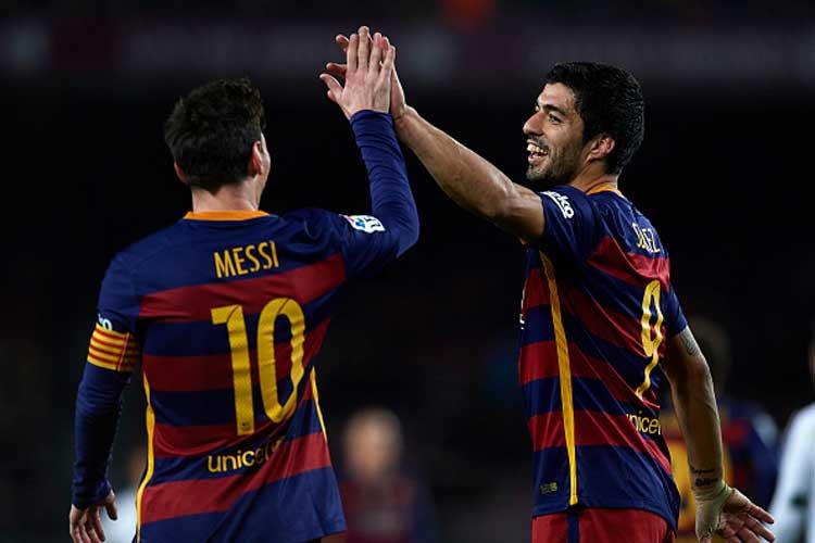La Liga: Suarez Double Keeps Barcelona Level With Real Madrid