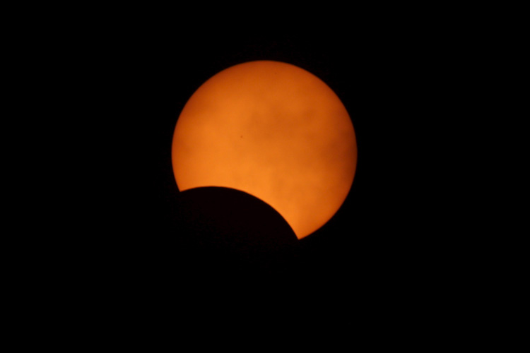 Scientists to Chase Solar Eclipse Using NASA's Research Jets