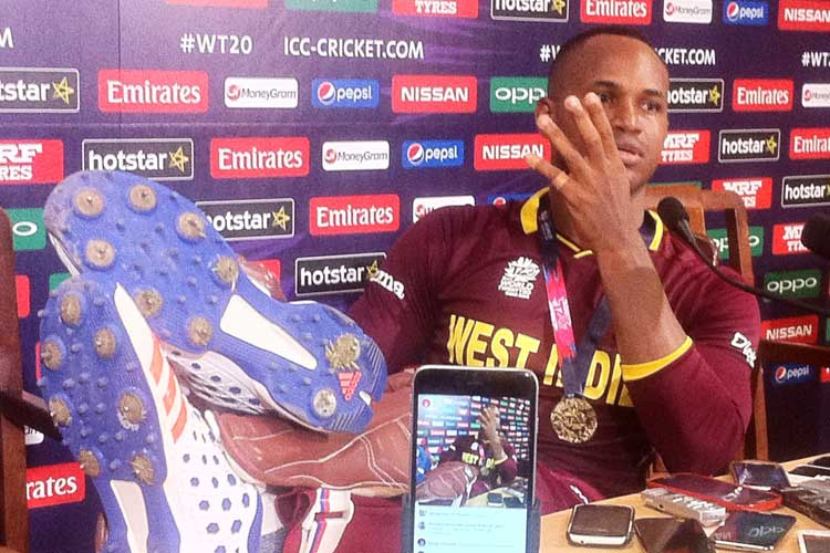 Samuels' feet-up show as disrespectful as Dhoni's 'do you have a son or a brother' jibe
