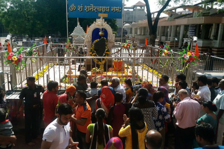 100 men stormed into Shani Shingnapur temple