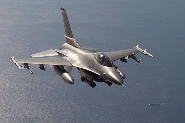 US-F16