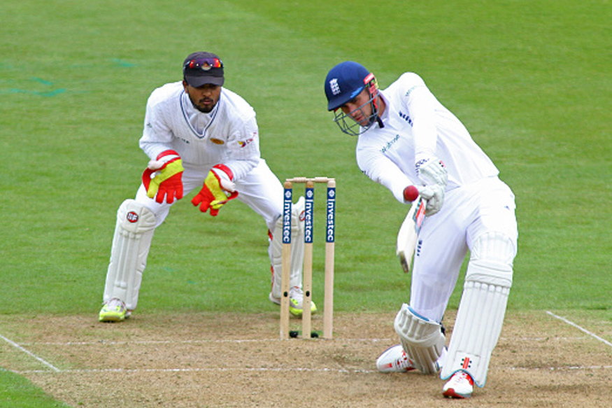 1st Test: Cook Misses Out but England Press on Against Sri Lanka