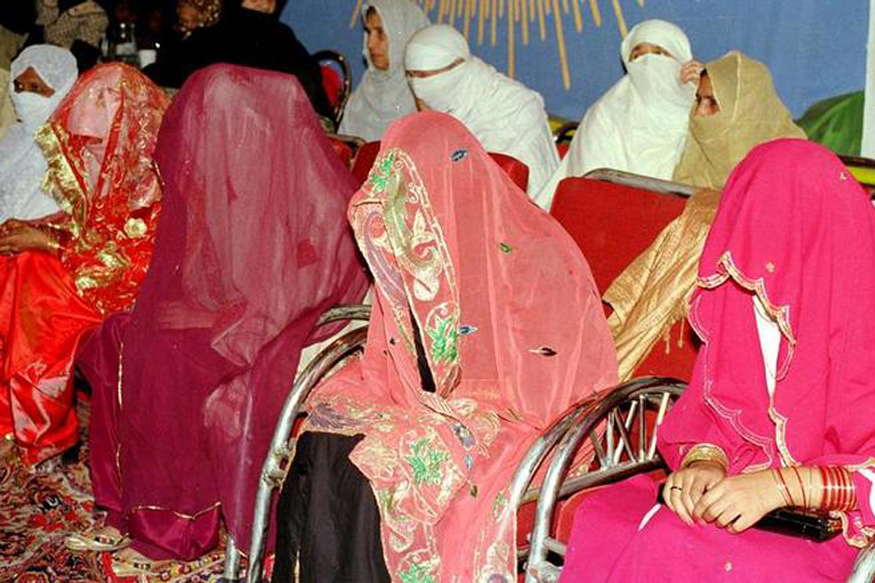 Husbands Can 'Lightly' Beat Wives if They Disobey: Pak Islamic Body