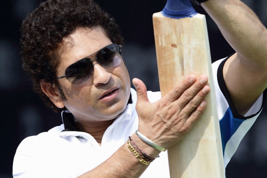 Sachin Tendulkar with the cricket bat. (Getty Images)