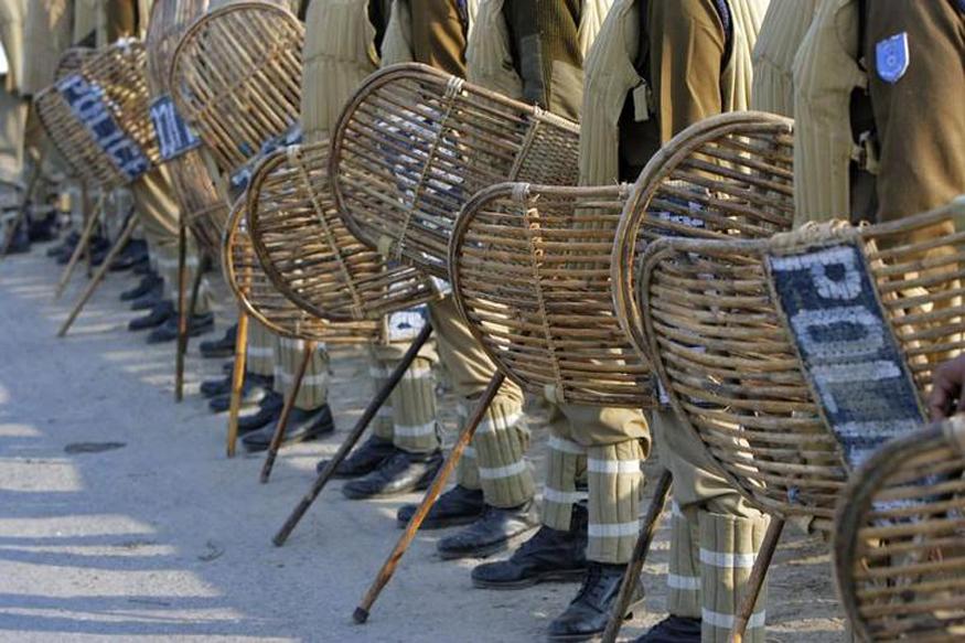 Relative of Former Kashmir Legislator Snatches Security Guard's Rifle in Shopian