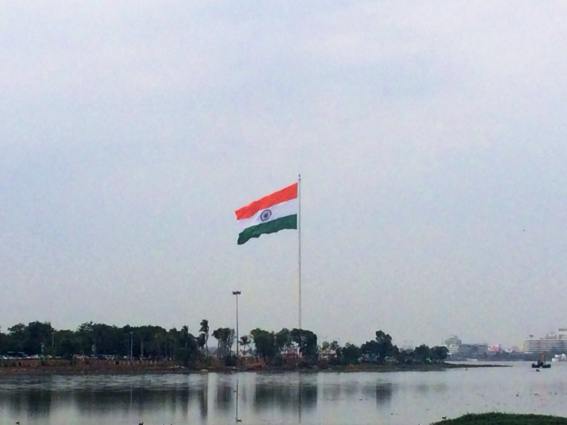 on second anniversary of telangana hyderabad gets s largest telflag2