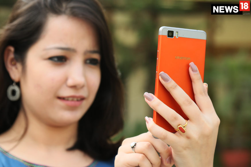 In Photos: The Smartron t-phone That Goes on Sale on 28 July For Rs 22,999