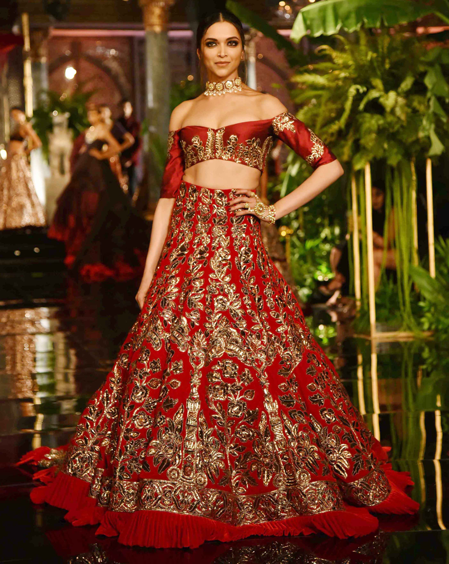 Icw 2016 Deepika Steals The Show In An Exquisite Manish