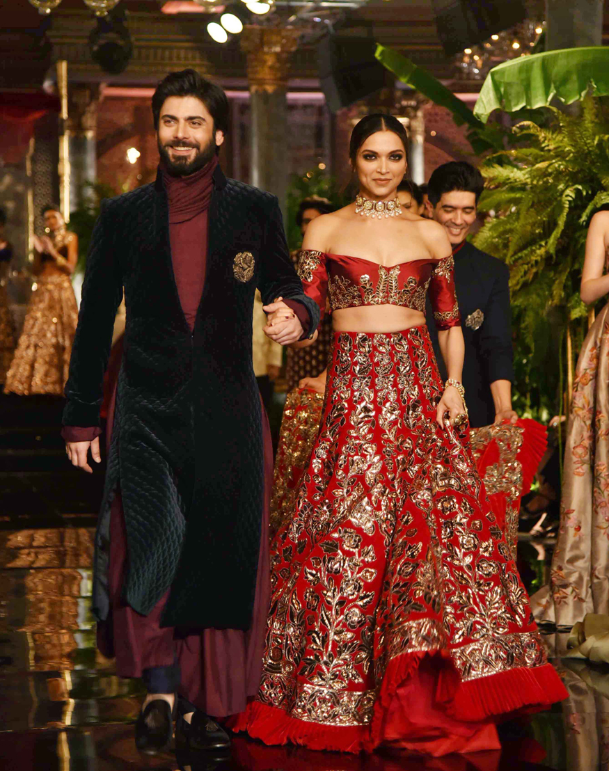 Icw Day 1 Manish Malhotra Weaves A Persian Story Fawad