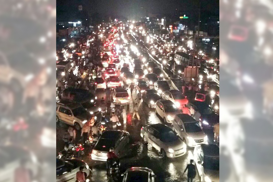 Hundreds Stuck For Over 7 Hours Due to Waterlogging in Gurgaon