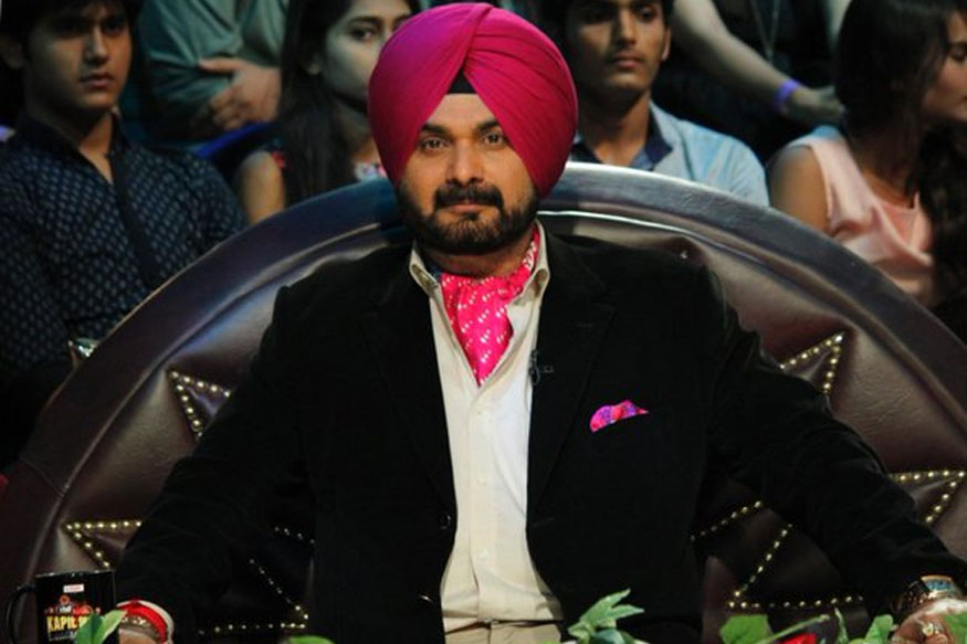 'I Am Born Congressman' Says Navjot Singh Sidhu, Twitter Goes Berserk